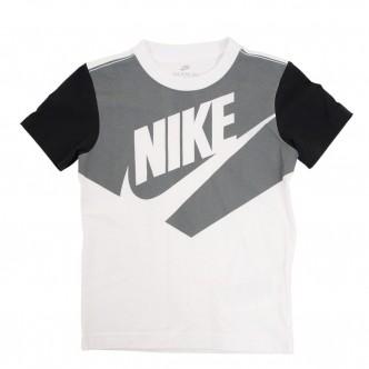 Nike - Short Sleeve Graphic T-Shirt BAMBINO - 86H407-001