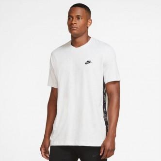 copy of Nike Sportswear T-Shirt - DD1330-010