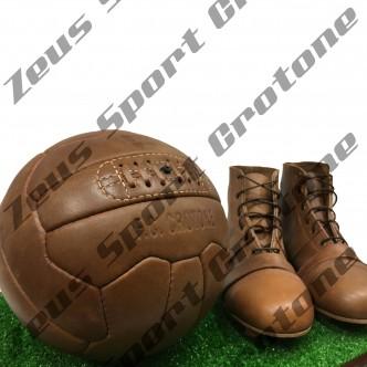 Kit vintage Ufficiale Crotone Calcio - Scarpe e pallone in cuoio